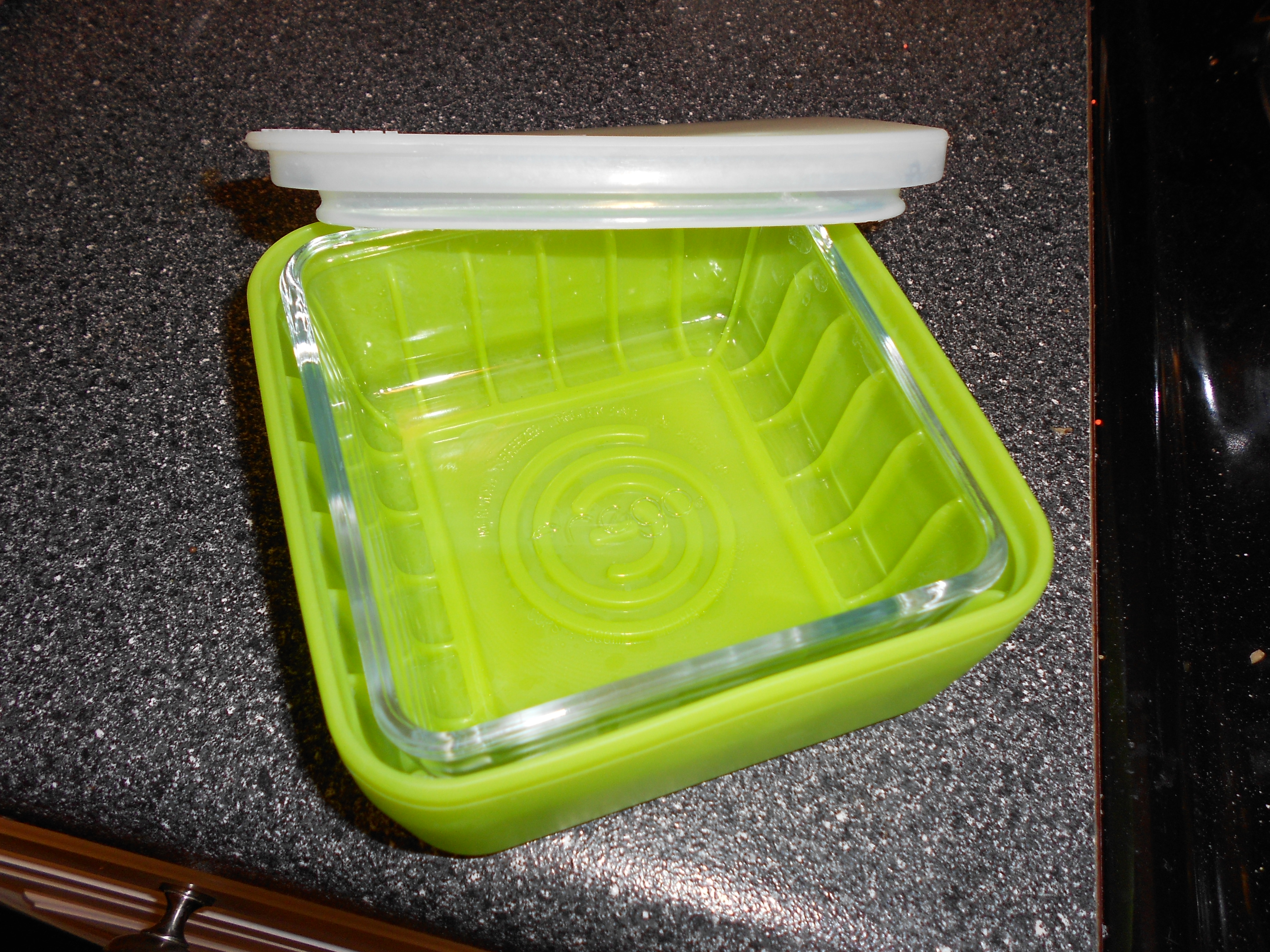 I received the lime green 2 cup square container and have really loved it. My husband works the night shift at his job so I often send dinner with him to ... & Frego Review and #Giveaway (Ends 11/17) | Emily Reviews