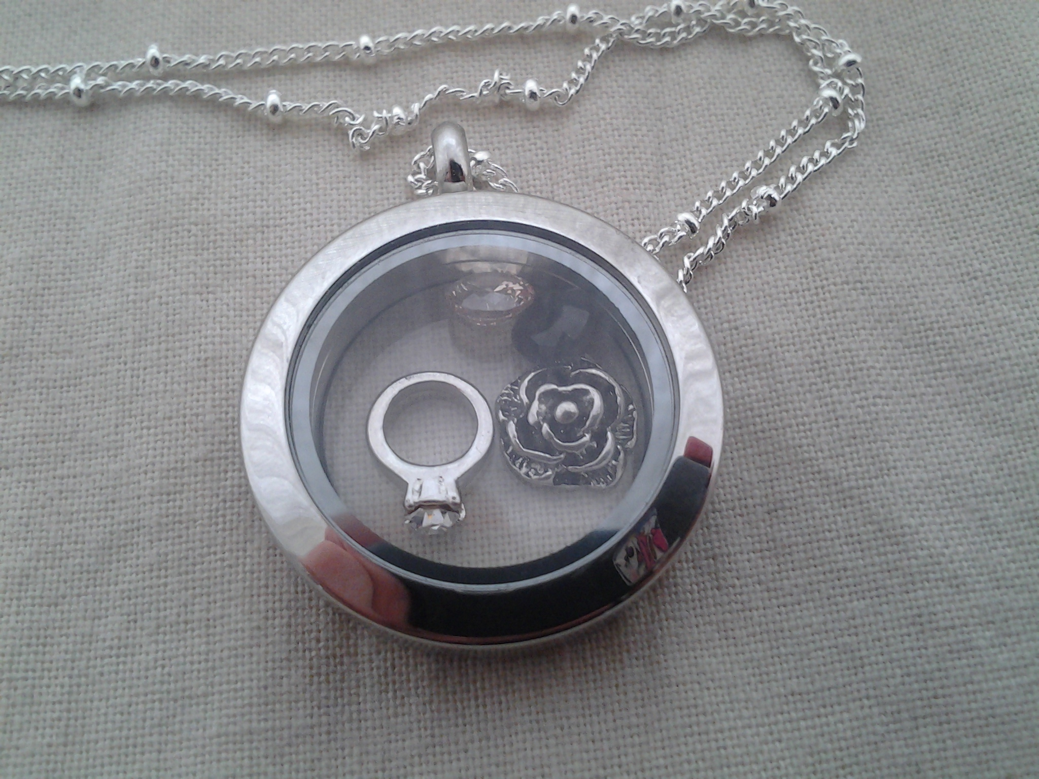 Origami Owl Living Locket Review | Emily Reviews - photo#22