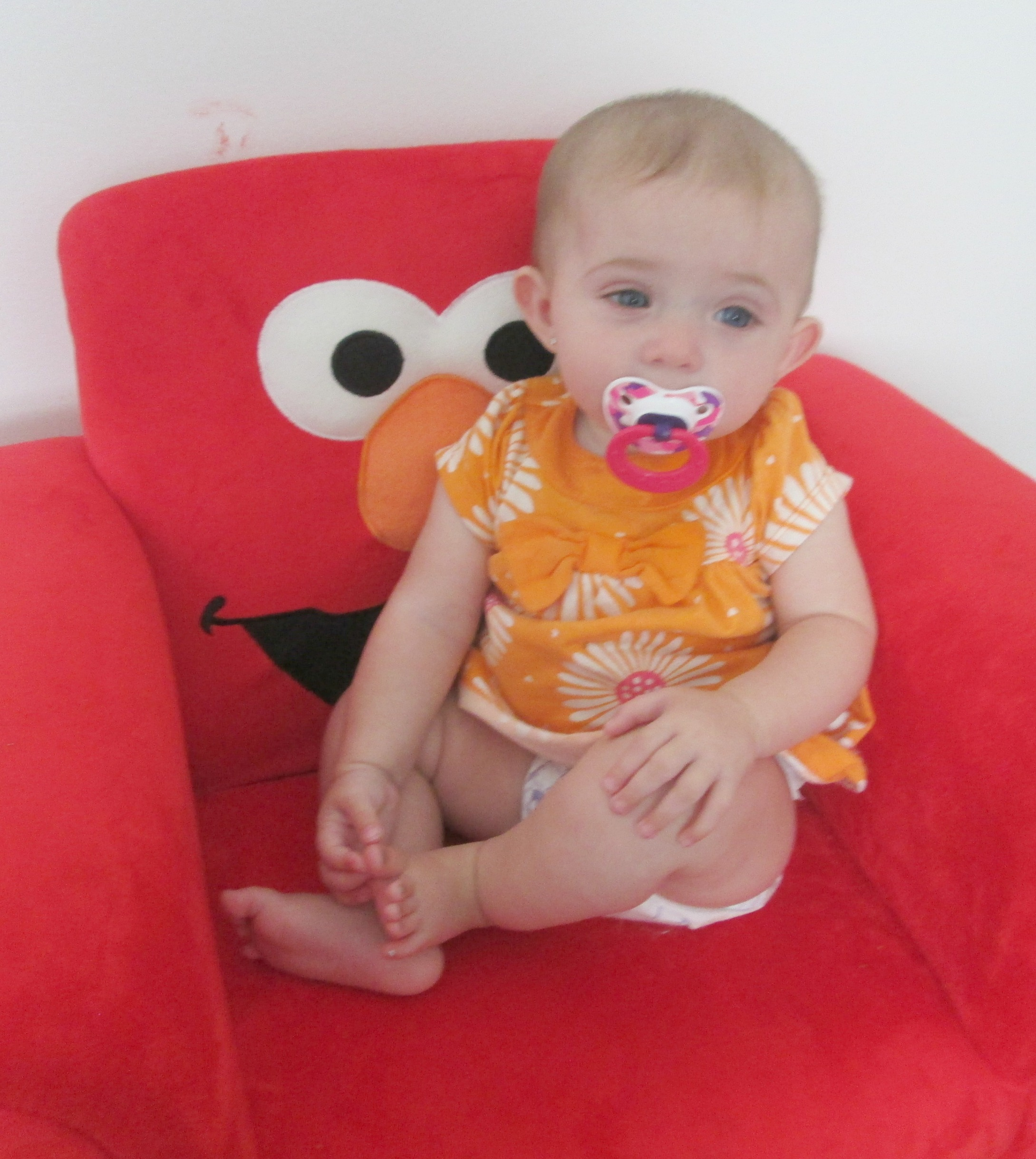 delta children furniture for elmo upholstered chair