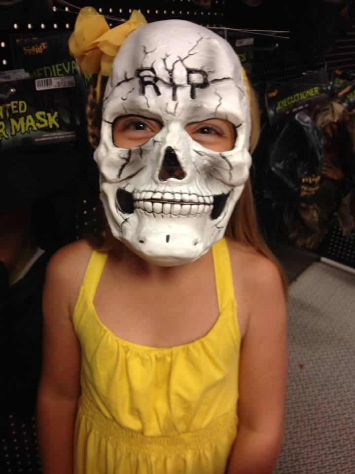 Spirit Halloween Company Review   Emily Reviews