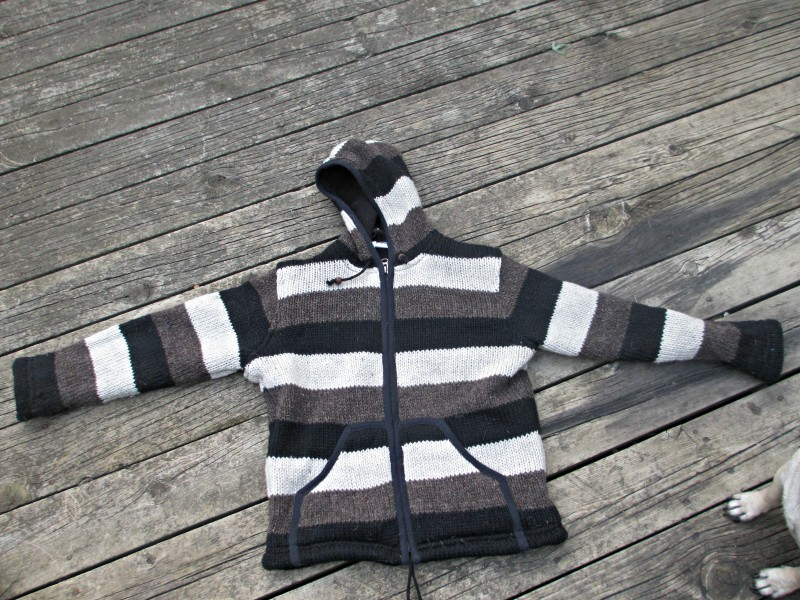atziloose sweater stripes