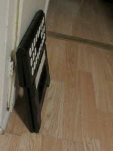 Kikkerland fold up step stool