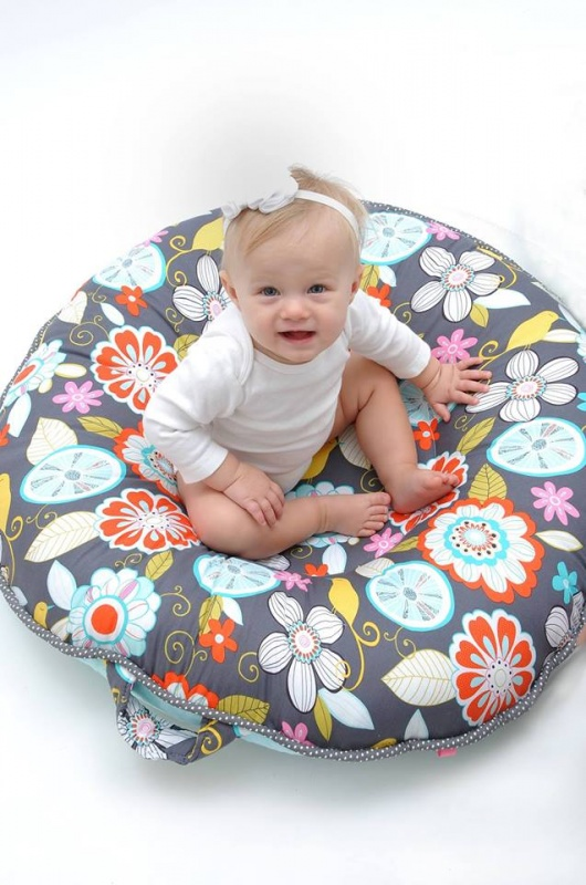 Pello Luxe Floor Pillows : Pello ~ Luxe Floor Pillow Review & Giveaway (US/Canada) 4/2 Emily Reviews