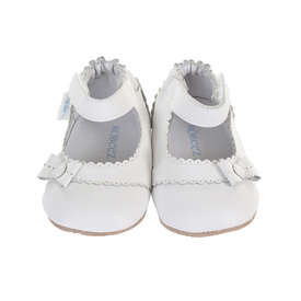 Since , Robeez Footwear Ltd. has grown from one mom's home-based business to the leading worldwide manufacturer of soft-soled, flexible and lightweight shoes for newborns to four-year-olds. For a Robeez infant, all the world´s waiting to be tasted.
