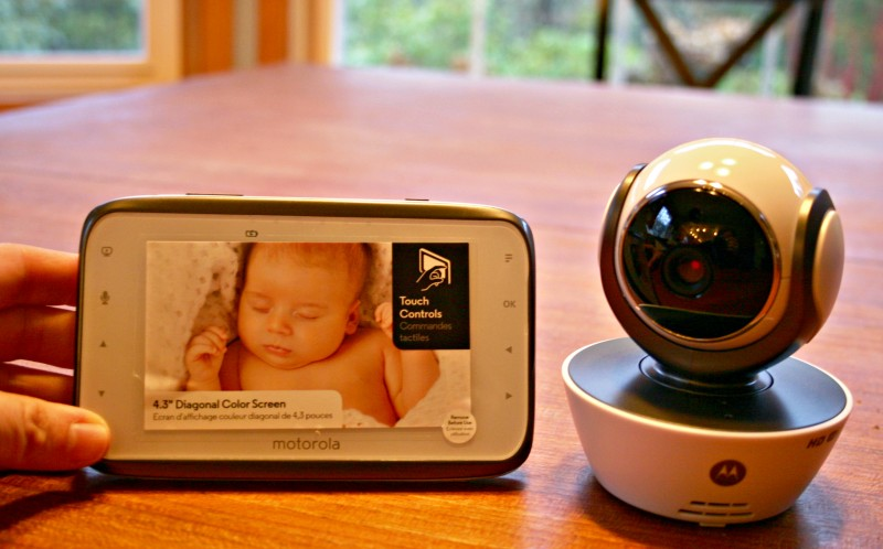 welcome baby with a motorola mbp854connect digital video baby monitor revie. Black Bedroom Furniture Sets. Home Design Ideas