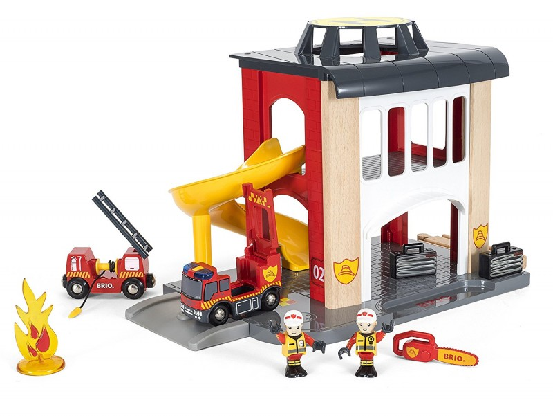 BRIO Central Fire Station {Holiday Gift Idea}