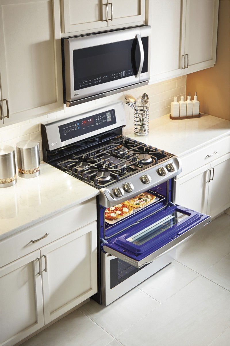LG 6.9 CU double oven range with probake