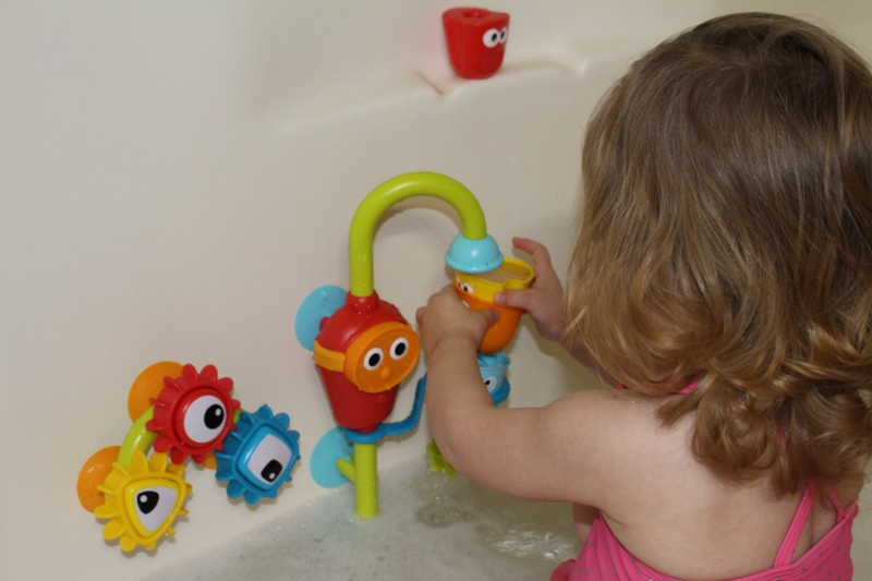 Yookidoo Spin \'N\' Sort Spout Pro Review | Emily Reviews