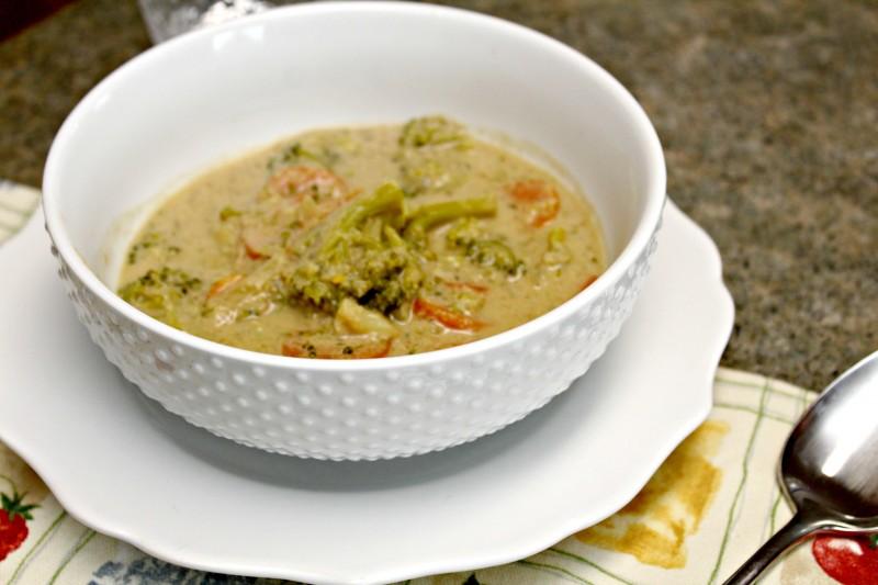 {Dairy Free, Gluten Free} Broccoli Cheese Soup Recipe