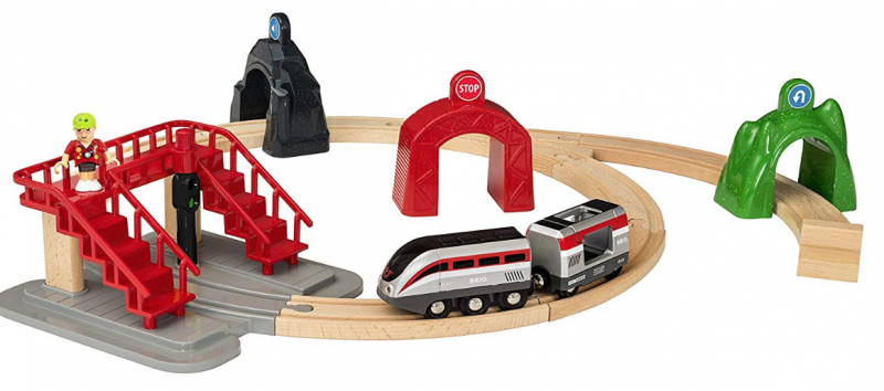 Brio Smart Engine Set with Action Tunnels Wooden Train (17 Piece),