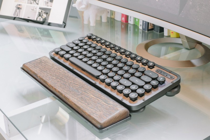 retro classic keyboard Elwood for wire