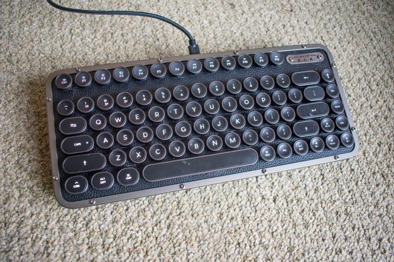 Azio retro compact mechanical keyboard