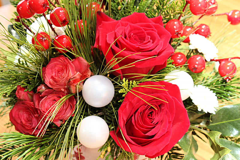 Love Out Loud This Christmas With Teleflora
