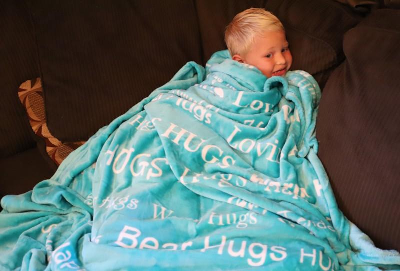 blankiegram hugs blanket