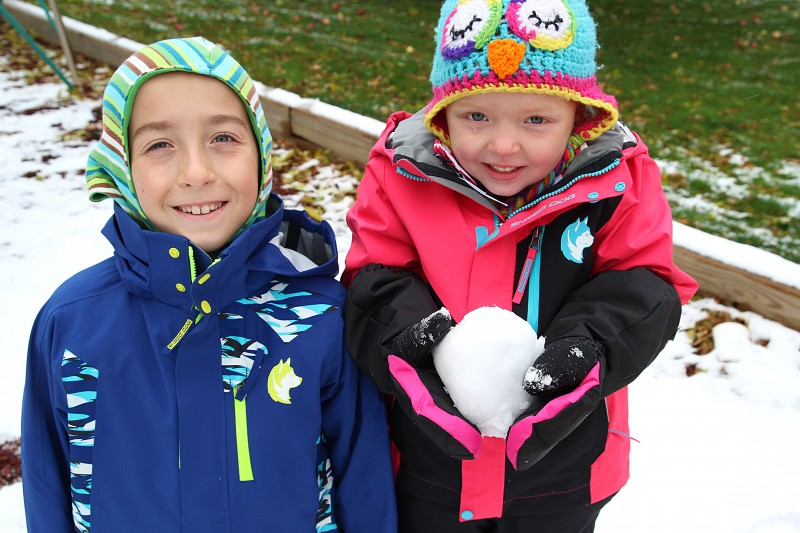 11 Things To Pack For A Fun-Filled Snow Trip With Kids {+ Shred Dog Review}