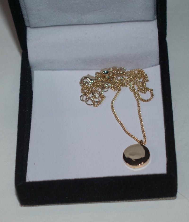Nadine necklace box