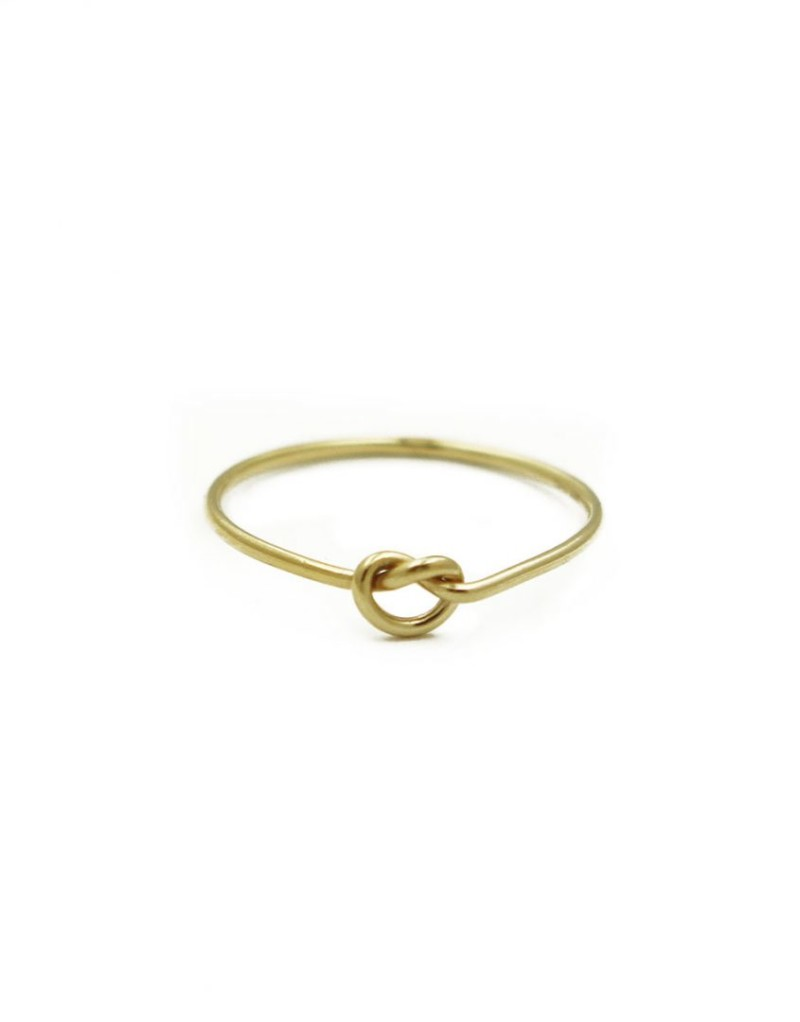 The vintage pearl knot ring